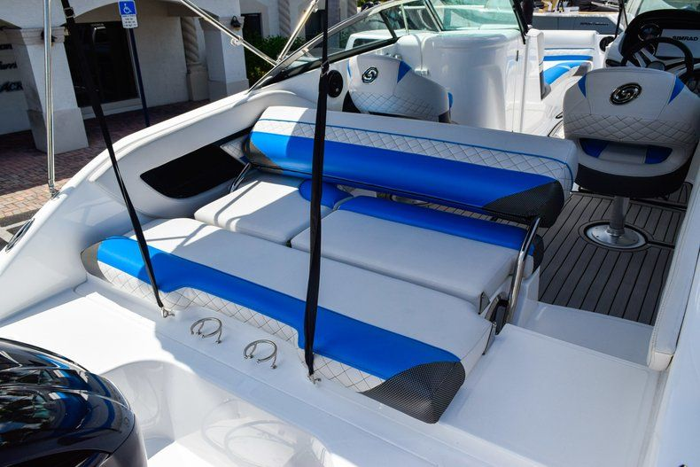 Thumbnail 21 for New 2019 Hurricane SunDeck SD 2410 OB boat for sale in West Palm Beach, FL