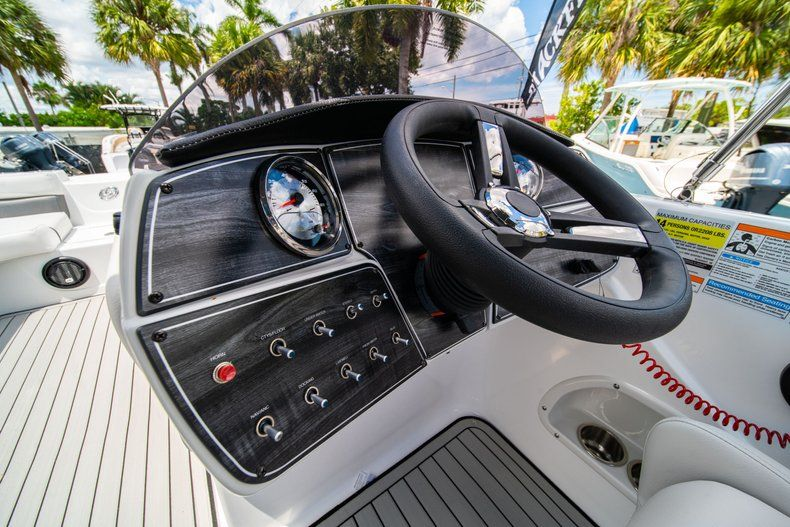 Thumbnail 15 for New 2020 Hurricane 218 SunDeck Sport OB boat for sale in West Palm Beach, FL