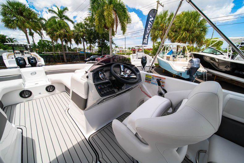 Thumbnail 13 for New 2020 Hurricane 218 SunDeck Sport OB boat for sale in West Palm Beach, FL