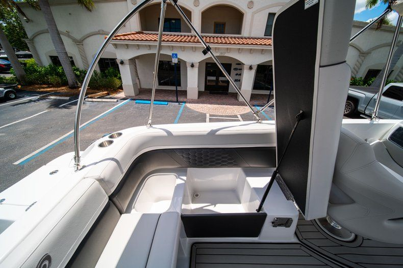 Thumbnail 10 for New 2020 Hurricane 218 SunDeck Sport OB boat for sale in West Palm Beach, FL