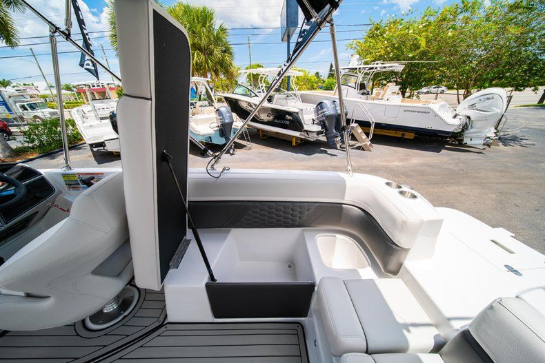Thumbnail 11 for New 2020 Hurricane SS 218 OB boat for sale in West Palm Beach, FL
