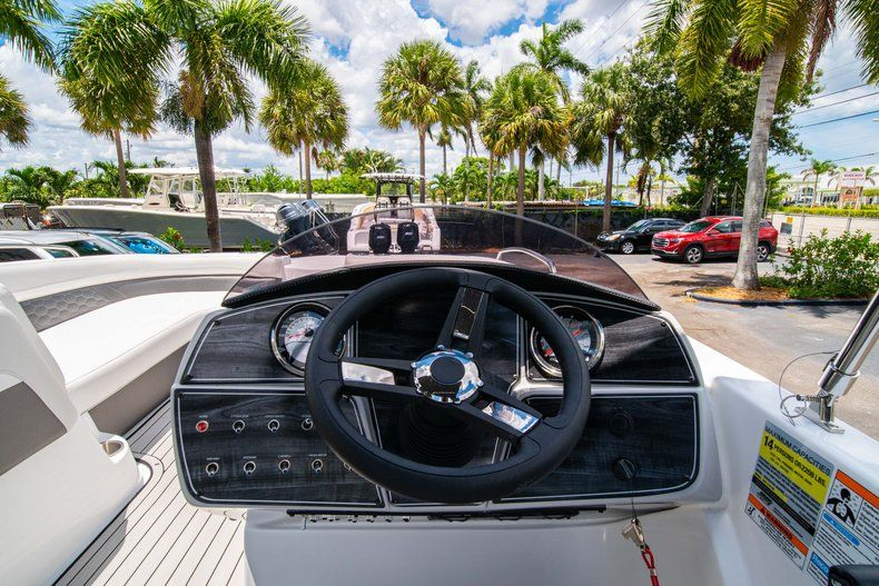 Thumbnail 14 for New 2020 Hurricane SS 218 OB boat for sale in West Palm Beach, FL
