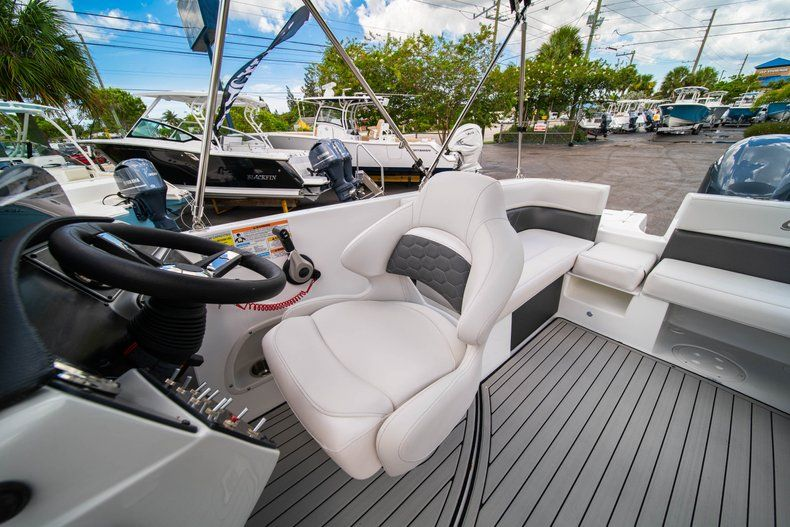 Thumbnail 21 for New 2020 Hurricane 218 SunDeck Sport OB boat for sale in West Palm Beach, FL