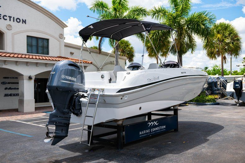 Thumbnail 7 for New 2020 Hurricane 218 SunDeck Sport OB boat for sale in West Palm Beach, FL