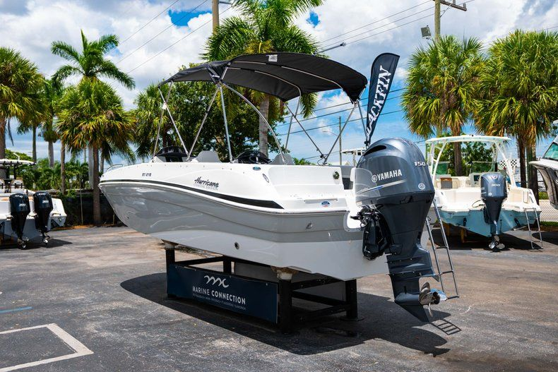 Thumbnail 5 for New 2020 Hurricane 218 SunDeck Sport OB boat for sale in West Palm Beach, FL
