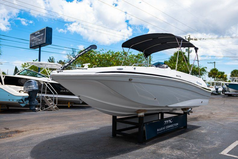 Thumbnail 3 for New 2020 Hurricane 218 SunDeck Sport OB boat for sale in West Palm Beach, FL