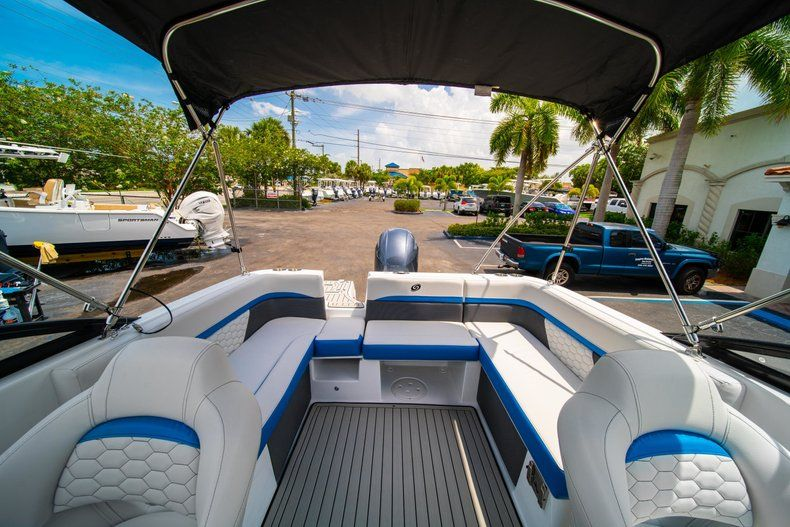 Thumbnail 9 for New 2020 Hurricane SD 217 OB boat for sale in West Palm Beach, FL