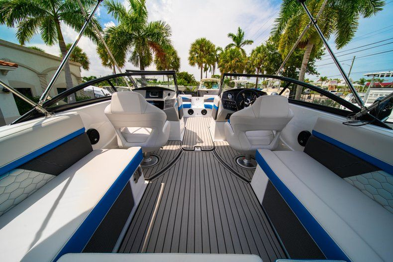 Thumbnail 8 for New 2020 Hurricane SD 217 OB boat for sale in West Palm Beach, FL