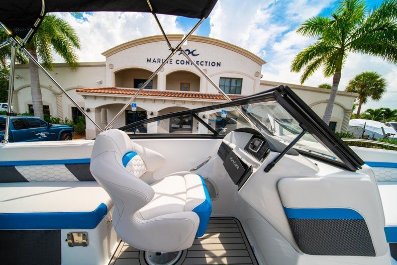Thumbnail 19 for New 2020 Hurricane SD 217 OB boat for sale in West Palm Beach, FL