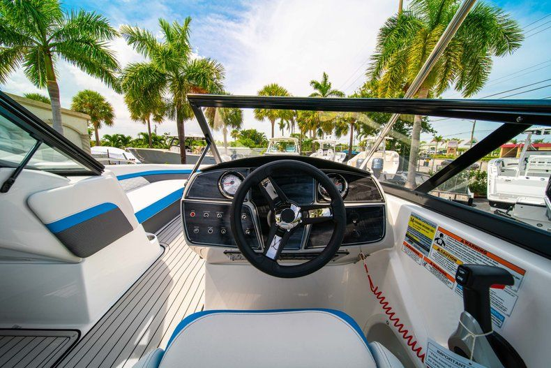 Thumbnail 16 for New 2020 Hurricane SD 217 OB boat for sale in West Palm Beach, FL