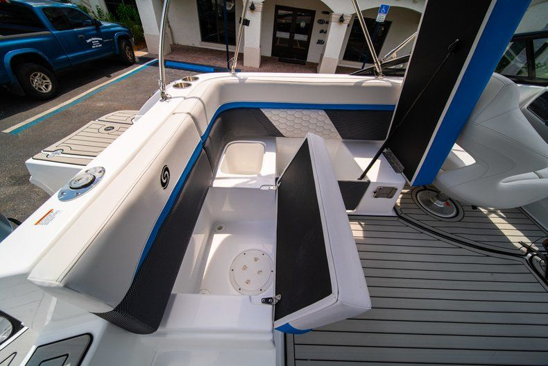 Thumbnail 11 for New 2020 Hurricane SD 217 OB boat for sale in West Palm Beach, FL