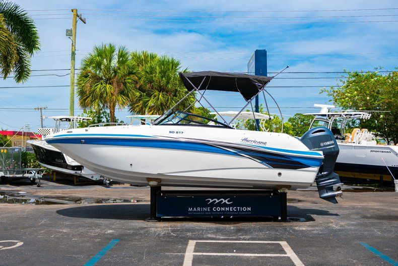 Thumbnail 4 for New 2020 Hurricane SD 217 OB boat for sale in West Palm Beach, FL