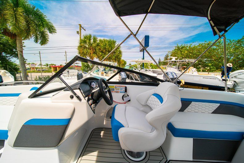 Thumbnail 18 for New 2020 Hurricane SD 217 OB boat for sale in West Palm Beach, FL