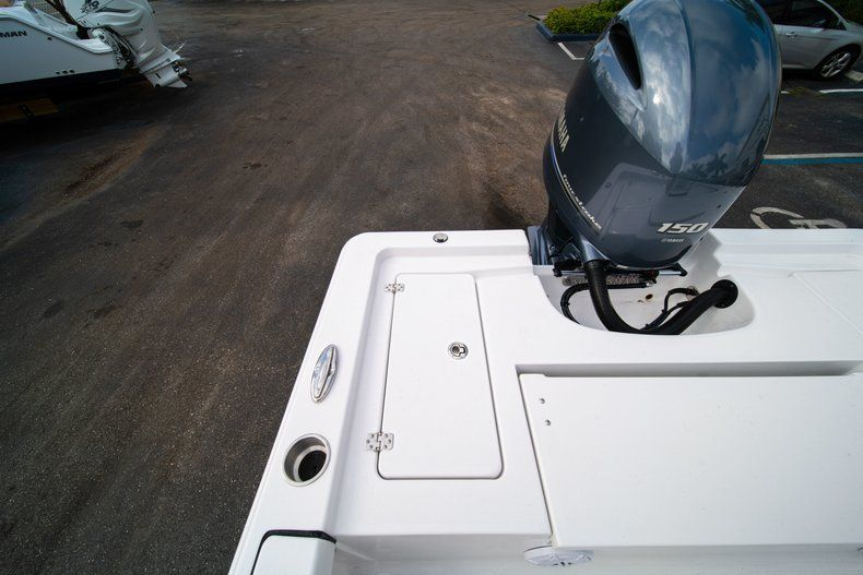 Thumbnail 12 for New 2020 Sportsman Masters 207 Bay Boat boat for sale in Vero Beach, FL