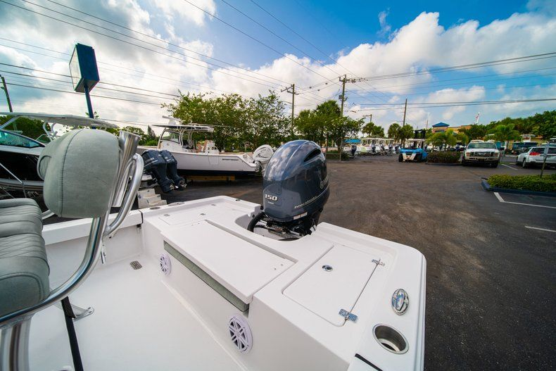 Thumbnail 8 for New 2020 Sportsman Masters 207 Bay Boat boat for sale in Vero Beach, FL