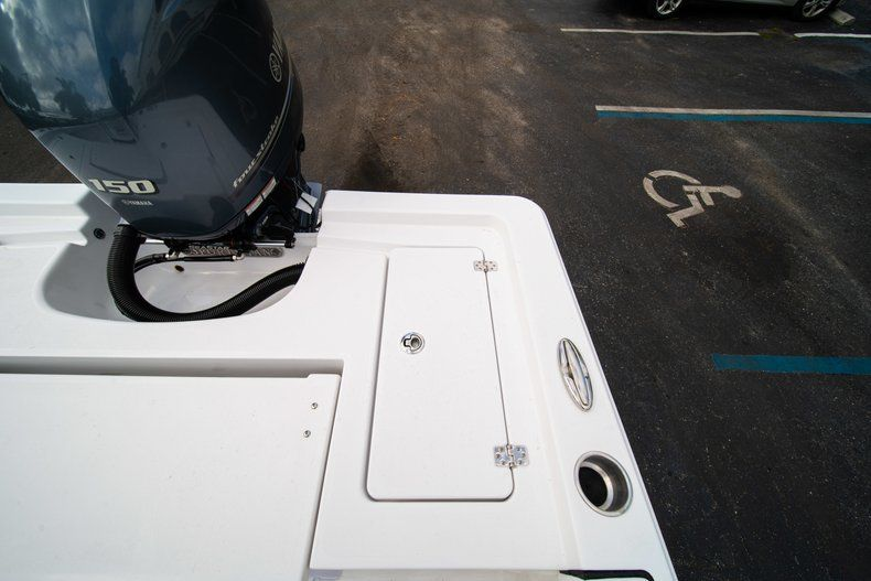 Thumbnail 9 for New 2020 Sportsman Masters 207 Bay Boat boat for sale in Vero Beach, FL