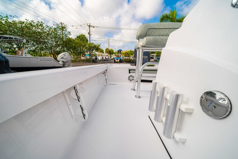 Thumbnail 27 for New 2020 Sportsman Masters 207 Bay Boat boat for sale in Vero Beach, FL