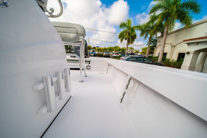 Thumbnail 28 for New 2020 Sportsman Masters 207 Bay Boat boat for sale in Vero Beach, FL