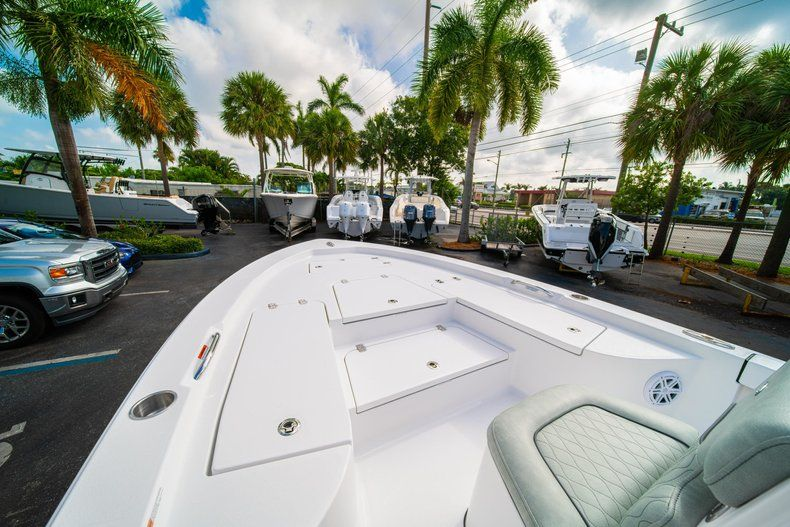 Thumbnail 29 for New 2020 Sportsman Masters 207 Bay Boat boat for sale in Vero Beach, FL