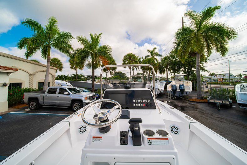 Thumbnail 19 for New 2020 Sportsman Masters 207 Bay Boat boat for sale in Vero Beach, FL