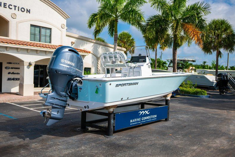 Thumbnail 7 for New 2020 Sportsman Masters 207 Bay Boat boat for sale in Vero Beach, FL