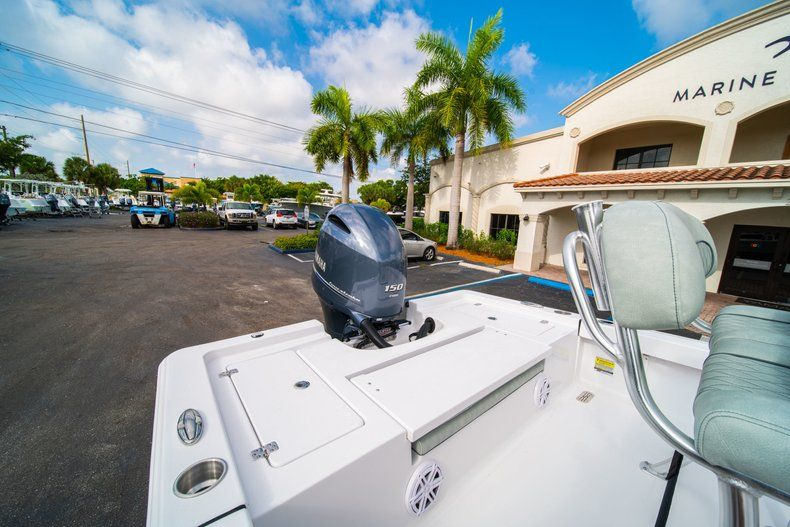 Thumbnail 11 for New 2020 Sportsman Masters 207 Bay Boat boat for sale in Vero Beach, FL