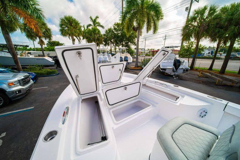 Thumbnail 30 for New 2020 Sportsman Masters 207 Bay Boat boat for sale in Vero Beach, FL
