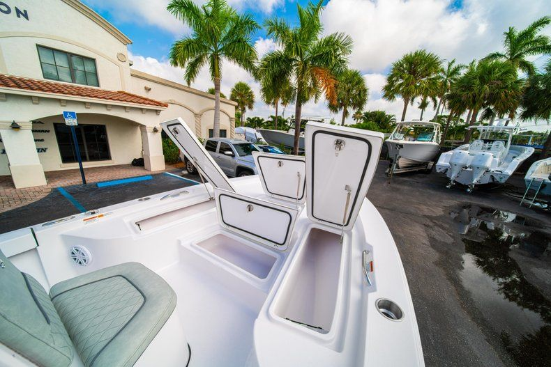 Thumbnail 32 for New 2020 Sportsman Masters 207 Bay Boat boat for sale in Vero Beach, FL