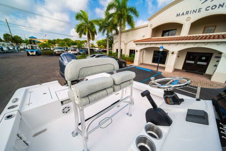 Thumbnail 23 for New 2020 Sportsman Masters 207 Bay Boat boat for sale in Vero Beach, FL