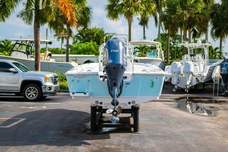 Thumbnail 6 for New 2020 Sportsman Masters 207 Bay Boat boat for sale in Vero Beach, FL