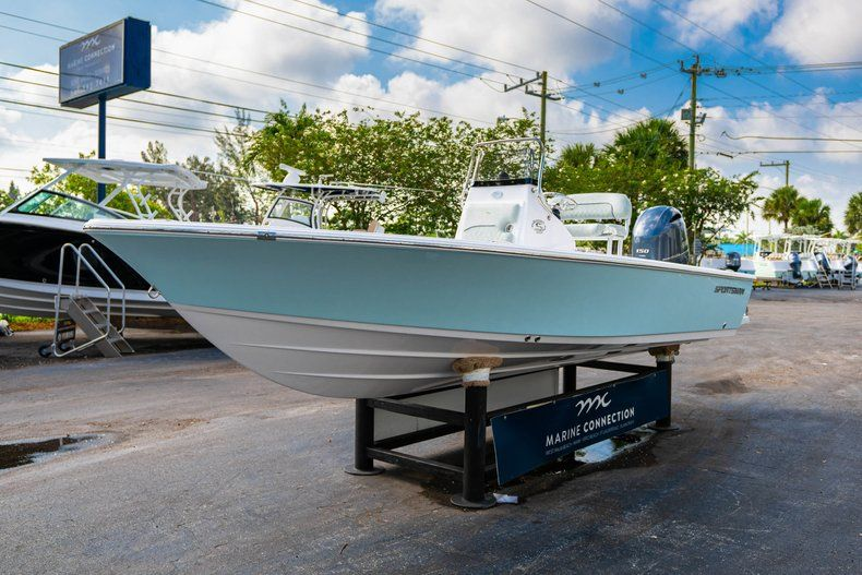 Thumbnail 3 for New 2020 Sportsman Masters 207 Bay Boat boat for sale in Vero Beach, FL