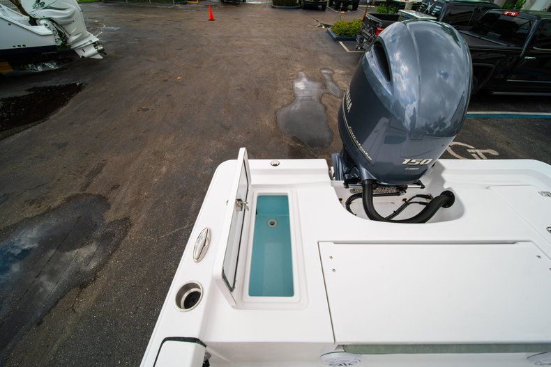 Thumbnail 11 for New 2020 Sportsman Masters 207 Bay Boat boat for sale in Miami, FL
