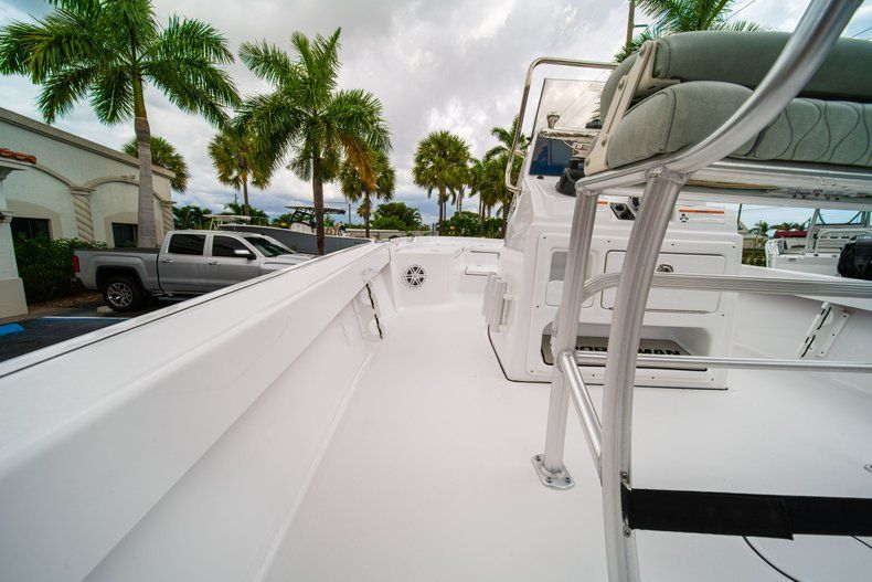 Thumbnail 16 for New 2020 Sportsman Masters 207 Bay Boat boat for sale in Miami, FL