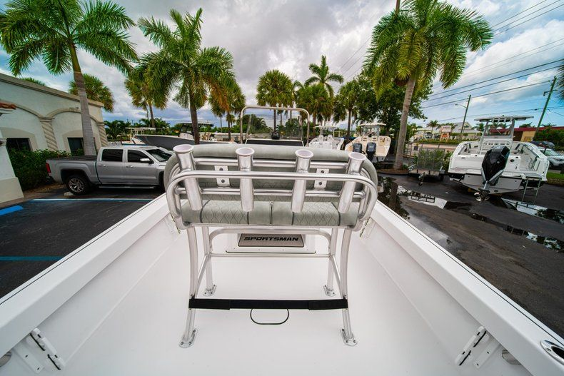 Thumbnail 8 for New 2020 Sportsman Masters 207 Bay Boat boat for sale in Miami, FL