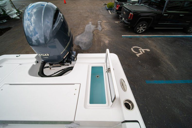 Thumbnail 14 for New 2020 Sportsman Masters 207 Bay Boat boat for sale in Miami, FL
