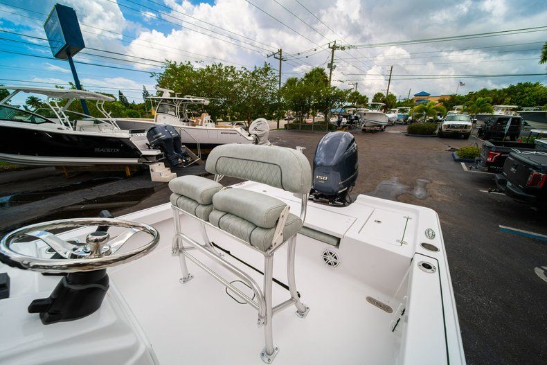 Thumbnail 22 for New 2020 Sportsman Masters 207 Bay Boat boat for sale in Miami, FL