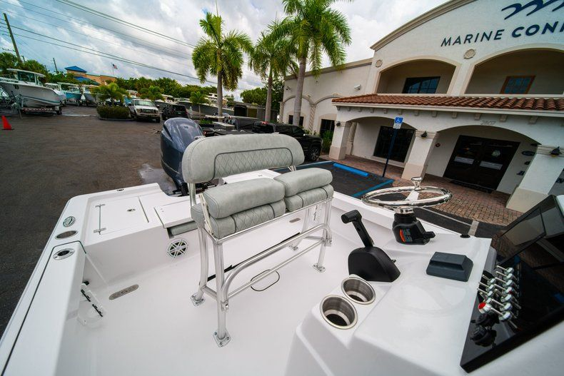 Thumbnail 24 for New 2020 Sportsman Masters 207 Bay Boat boat for sale in Miami, FL