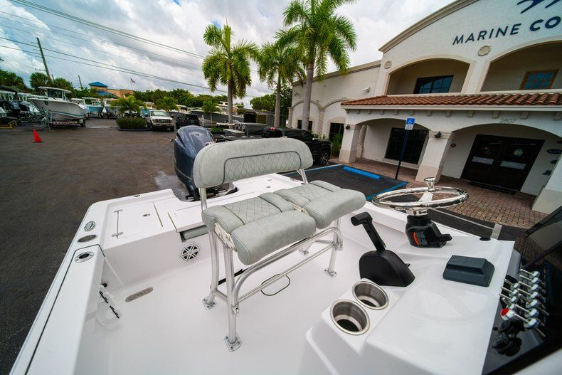 Thumbnail 25 for New 2020 Sportsman Masters 207 Bay Boat boat for sale in Miami, FL