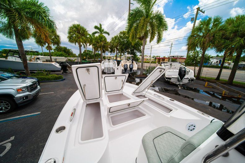 Thumbnail 31 for New 2020 Sportsman Masters 207 Bay Boat boat for sale in Miami, FL