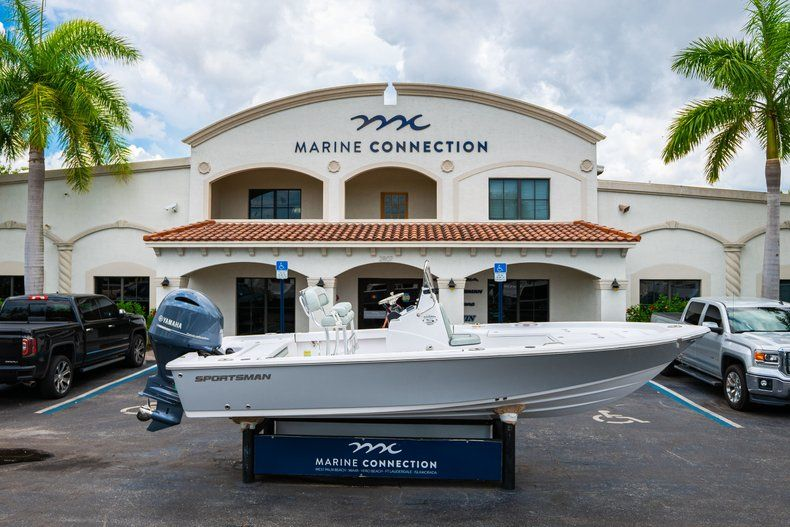 Thumbnail 0 for New 2020 Sportsman Masters 207 Bay Boat boat for sale in West Palm Beach, FL