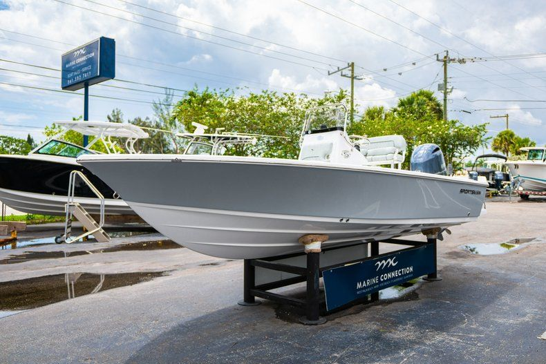 Thumbnail 3 for New 2020 Sportsman Masters 207 Bay Boat boat for sale in Miami, FL