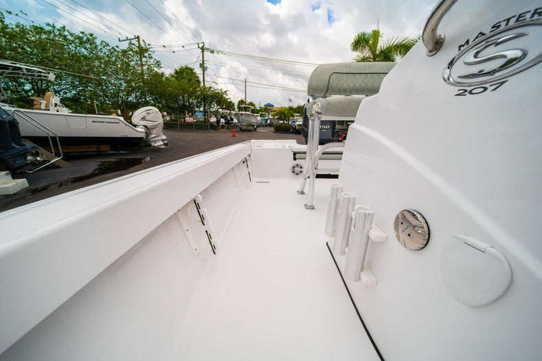 Thumbnail 27 for New 2020 Sportsman Masters 207 Bay Boat boat for sale in West Palm Beach, FL