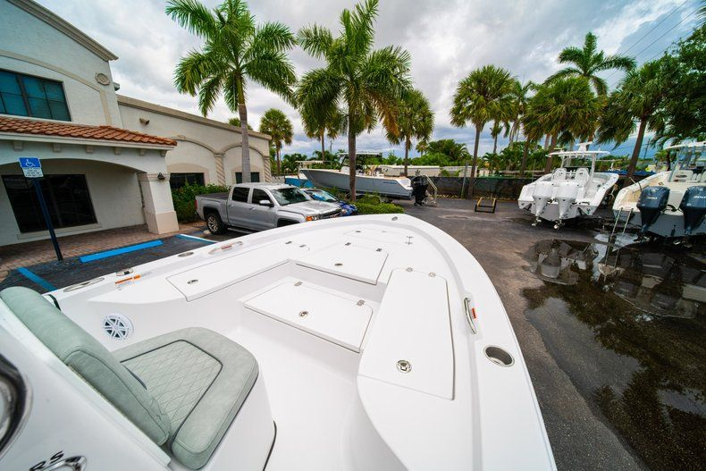 Thumbnail 28 for New 2020 Sportsman Masters 207 Bay Boat boat for sale in Miami, FL