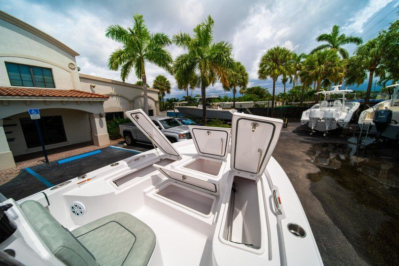 Thumbnail 29 for New 2020 Sportsman Masters 207 Bay Boat boat for sale in Miami, FL