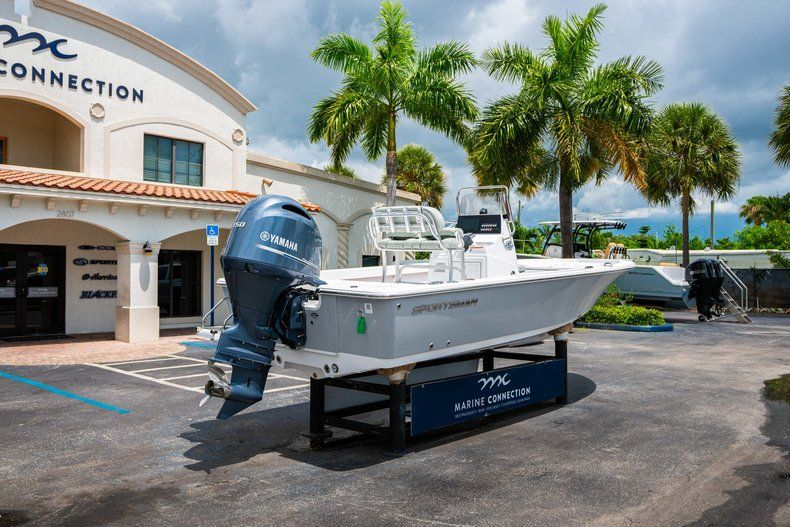Thumbnail 7 for New 2020 Sportsman Masters 207 Bay Boat boat for sale in Miami, FL