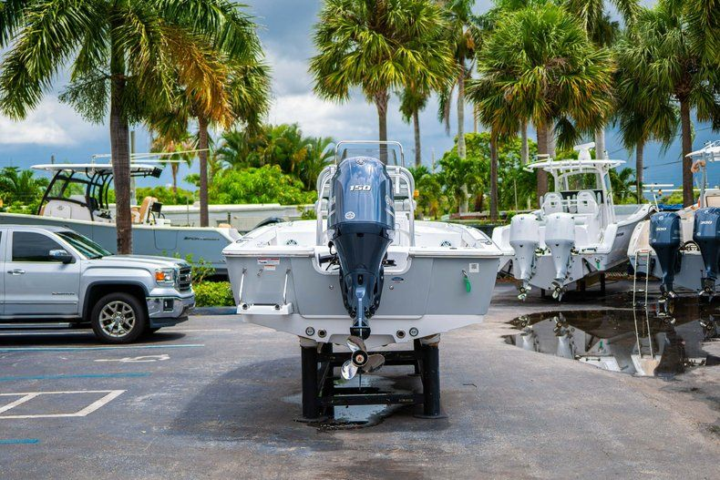 Thumbnail 6 for New 2020 Sportsman Masters 207 Bay Boat boat for sale in Miami, FL