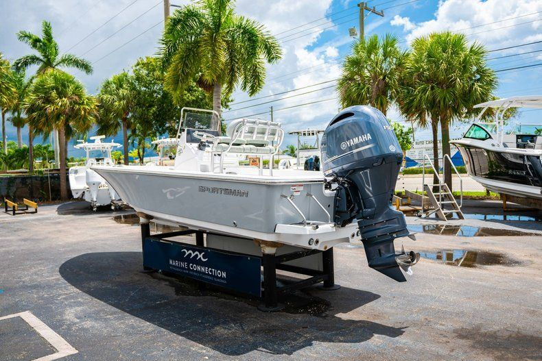 Thumbnail 5 for New 2020 Sportsman Masters 207 Bay Boat boat for sale in Miami, FL