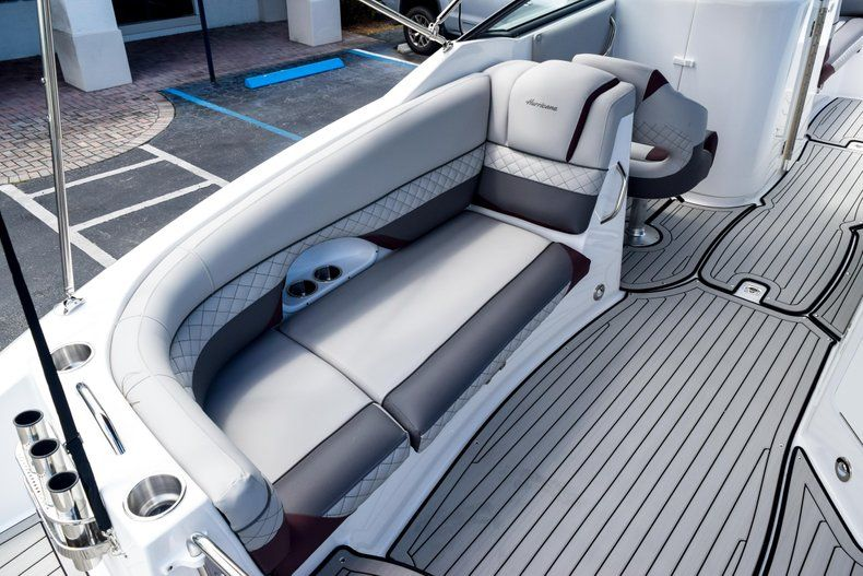 Thumbnail 17 for New 2019 Hurricane SunDeck SD 2690 OB boat for sale in West Palm Beach, FL