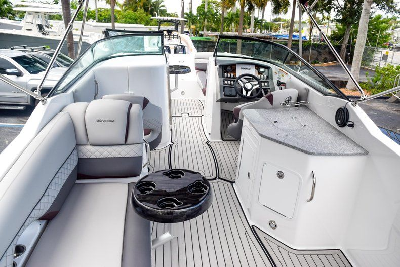 Thumbnail 70 for New 2019 Hurricane SD 2690 OB boat for sale in West Palm Beach, FL
