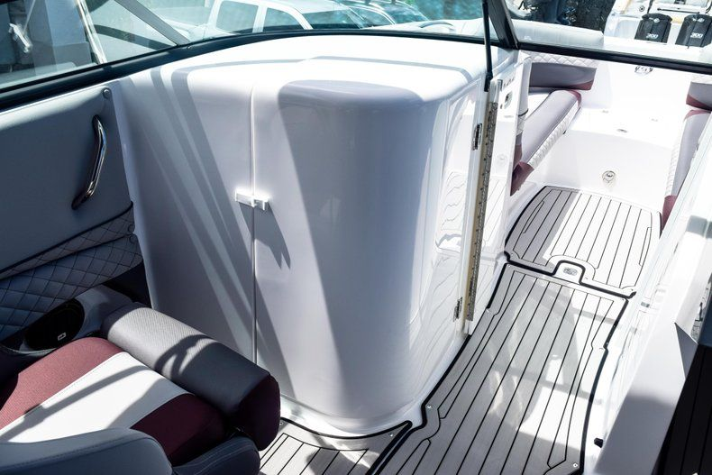 Thumbnail 61 for New 2019 Hurricane SunDeck SD 2690 OB boat for sale in West Palm Beach, FL